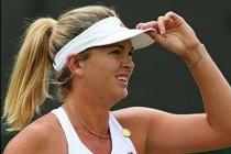 Vandeweghe sinks Safarova for last-eight spot