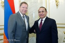 Armenia Premier and EEC official discuss intensification of collaboration