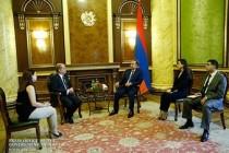 Armenia's premier, Italian ambassador discuss economic cooperation