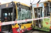 В Польше автобус столкнулся с трамваем