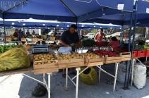 Մաշտոցի պողոտայում գործող գյուղմթերքի տոնավաճառը վերաբացվել է