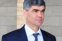 Զենքերը վայր դնելուց հետո նախագահ Սարգսյանը պատրաստ է հրավիրելու Սեֆիլյանին և բացատրելու իրականությունը և հեռանկարները. Բալասանյան