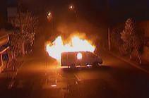 Էրեբունու ՊՊԾ գունդը գրաված զինված խումբը վառվող մեքենան դուրս բերել փողոց (Տեսանյութ)