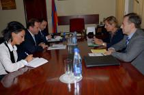Դավիթ Տոնոյանն ընդունել է Հայաստանում Կարմիր խաչի միջազգային կոմիտեի ներկայացուցիչներին