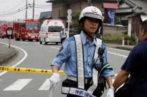 Автомобиль врезался в группу японских школьников