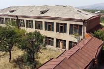 Աշտարակում Վարդգես Պետրոսյանի անվան դպրոցը ծայրահեղ անմխիթար վիճակում է. մանկավարժական կոլեկտիվը դիմում է կրթության նախարարին
