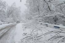 Արագածում, Սպիտակում, Դիլիջանի ոլորաններում և մի շարք այլ ավտոճանապարհներին ձյուն է տեղում