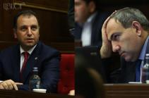 Վիգեն Սարգսյանը` Նիկոլ Փաշինյանին. Եթե ունեք որևէ փաստ, որ զինվորը բեռնաթափում է պարենային մեքենա` ինձ տեղեկացրեք
