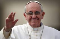 Папа Римский молится о пострадавших от землетрясения в центральной Италии