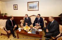 Քաղաքապետ Տարոն Մարգարյանը հանդիպել է Մոսկվայի պատվիրակության ղեկավարների հետ