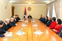 Бако Саакян встретился с представителями сферы образования, науки и спорта
