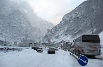 На дорогах Армении – метель, снег и гололед