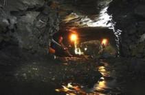В Китае из шахты удалось поднять живыми четырех человек