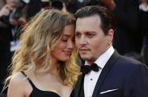 Суд принял решение о расторжение брака Джонни Деппа и Эмбер Херд