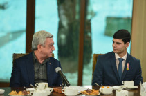 Նախագահ Սարգսյանն «ախմախություն» է որակել առանց ԼՂՀ կարգավիճակի Ադրբեջանին հողեր հանձնելու մասին խոսակցությունները