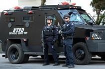 В Нью-Йорке полиция застрелила пытавшегося украсть пиво юношу с муляжом пистолета