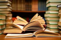Կարևոր է, որ գիրքը մեկ շնչով կարդալու ցանկություն առաջանա. ի՞նչ գիրք են կարդում հայ հայտնիները