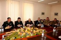 ՀՀ ՊՆ-ն ռազմական կցորդներին տեղեկատվություն է ներկայացվել առաջնագծում տիրող իրավիճակի վերաբերյալ