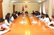 Бако Саакян принял группу преподавателей и студентов Степанакертского филиала Аграрного университета Армении
