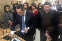 На одном из избирательных участков апробировано новое электронное устройство, оповещающее о повторном голосовании