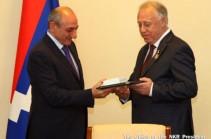 Բակո Սահակյանն ընդունել է ռուսաստանահայ բարերար Սերգեյ Համբարձումյանին