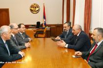 Бако Саакян: Сотрудничество с Армянским евангелистским сообществом Америки находится на высоком уровне