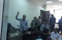 Жирайра Сефиляна и других встретили в суде возгласами и аплодисментами