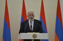 Պոլսո հայ համայնքում հակակրանք կա Աթեշյանի նկատմամբ. Բագրատ Էստուկյան