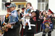 Արցախի Իվանյանի անվան ռազմամարզական վարժարանն այս տարի առաջին անգամ աղջիկ շրջանավարտ ունի