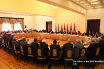Бако Саакян принял участие в заседании Совета попечителей Всеармянского фонда «Айастан»
