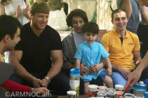 Արթուր Ալեքսանյանն ու Նազիկ Ավդալյանը հանդիպել են վիրավոր զինվորներին