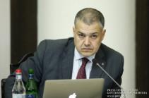 Давида Арутюняна в правительстве заменит Ваге Степанян