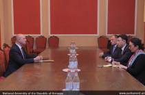Արցախի հարցում պետք է հավատարիմ մնալ ՀԱՊԿ պաշտոնական դիրքորոշմանը. Էդուարդ Շարմազանովը՝ Բելառուսի դեսպանին