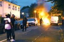 Լոնդոնի արևելքում ոստիկանների և ցուցարարների միջև տեղի է ունեցել բախում (Տեսանյութ)