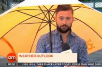 Իռլանդիայում քամին եղանակի տեսության ժամանակ քշել է հեռուստահաղորդավարին (Տեսանյութ)