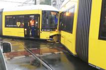 В столкновении двух трамваев в Берлине пострадали 27 человек