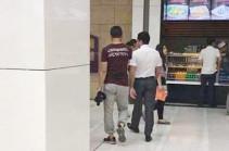 Բաքվում իրանցի զբոսաշրջիկին ստիպել են հանել «Հայաստան» գրությամբ շապիկը
