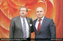 Ռիչարդ Միլսն ու Արմեն Աշոտյանը կարևորել են Ղարաբաղյան հակամարտության խաղաղ կարգավորումը
