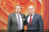Ричард Миллс и Армен Ашотян подчеркнули важность мирного урегулирования карабахского конфликта
