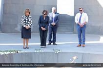 Мое сердце разбито. Конгрессмен США побывала в Музее-институте Геноцида армян
