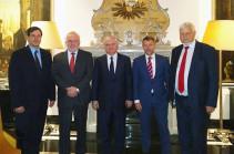 Նյու Յորքում տեղի է ունեցել Էդվարդ Նալբանդյանի հանդիպումը ԵԱՀԿ ՄԽ համանախագահների հետ
