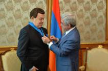 Սերժ Սարգսյանը Իոսիֆ Կոբզոնին պարգևատրել է պետական բարձր պարգևով՝ Պատվո շքանշանով
