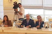 Армен Ашотян опубликовал видеозапись с пресс-конференции в Баку