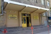 Թատերականի նկուղային հարկում գործող «Լոտոյի» և «Տոտոյի» գրասենյակների տարածքը ինստիտուտին չի պատկանում դեռ 2006-ից