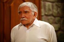 «Мне очень плохо»: Армен Джигарханян не смог сдержать слез, говоря о разводе с молодой женой