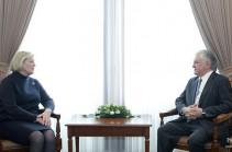 Эдвард Налбандян представил председателю Сената Нидерландов совместные усилия в направлении продвижения мирного урегулирования карабахского конфликта