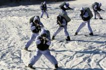 В Армении у военнослужащих ЮВО началась горная подготовка разведчиков