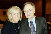 ԶԼՄ. Կանադացի միլիարդատիրոջն ու նրա կնոջը գտել են մահացած՝ Տորոնտոյի նրա տանը