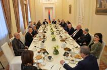 Ապագա նախագահը, ըստ Սերժ Սարգսյանի, անկողմնակալ մարդ պիտի լինի, ով երբեք քաղաքականությամբ չի զբաղվել և կուսակցության անդամ չի եղել