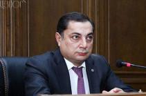 Ваграм Багдасарян: Овик Абраамян временно пассивен в политике, это нормально